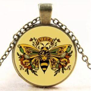 Vintage Queen Bee Glass Necklace
